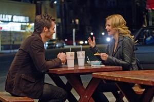 Chris Pine and Elzabeth Banks in People Like Us