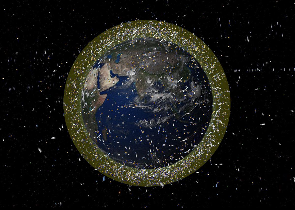 Debris_objects_in_low-Earth_orbit_LEO.jpg