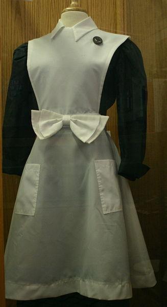 The classic Harvey Girl uniform.