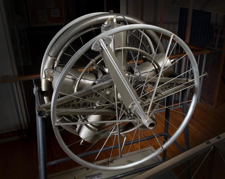 Langley-Manly-Balzer radial 5 engine 1.jpg