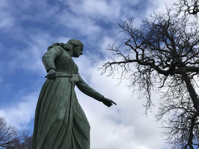 Hannah-Duston-statue.jpg