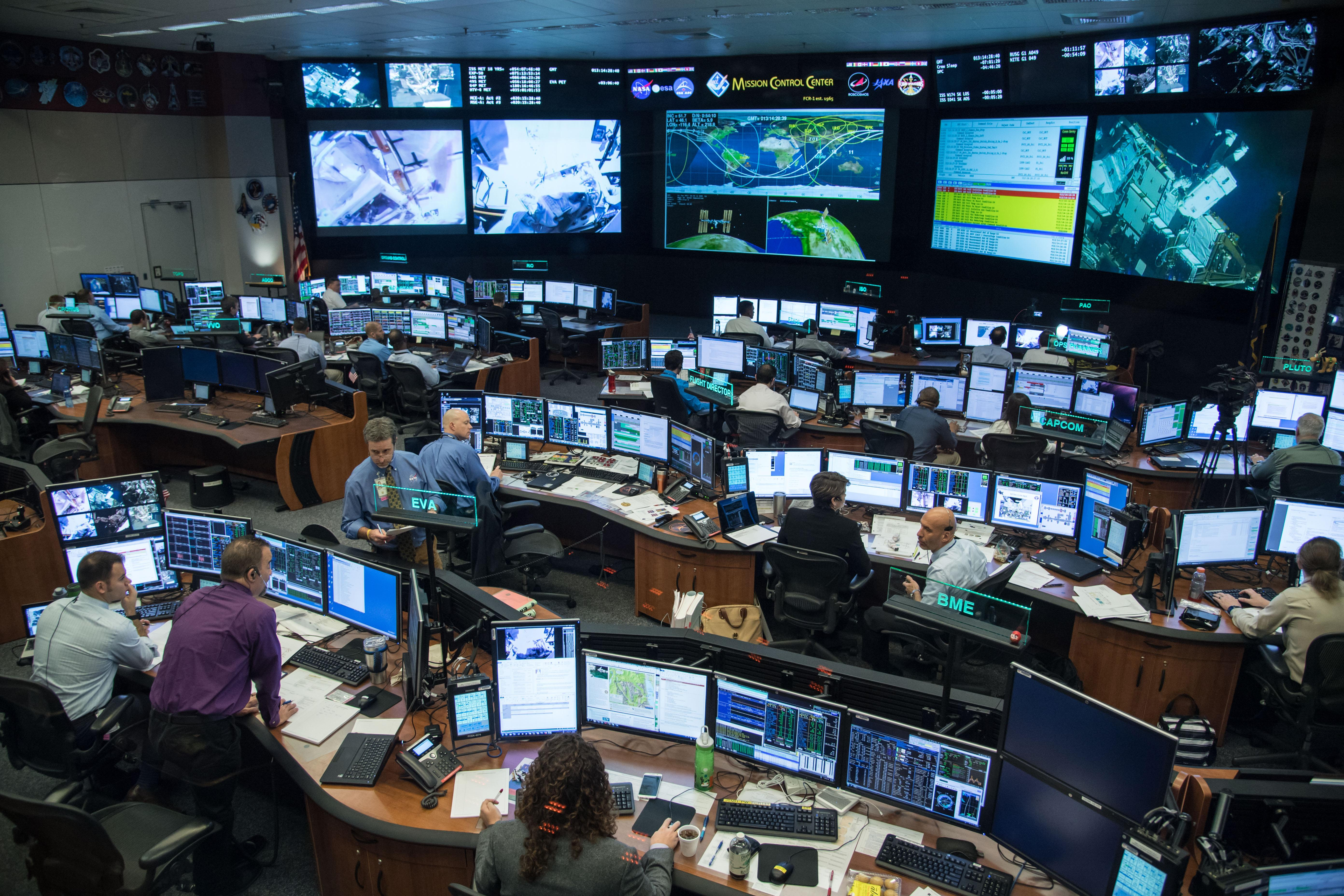 Flight controllers check systems