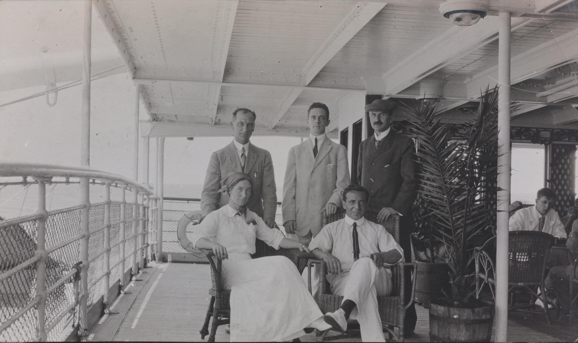 Waterman, seated, met Otto Haas