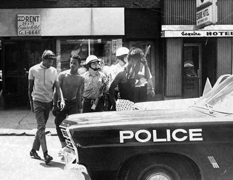 Police_raid_at_Esquire_Hotel_10602_Superior_Ave-wr.jpg