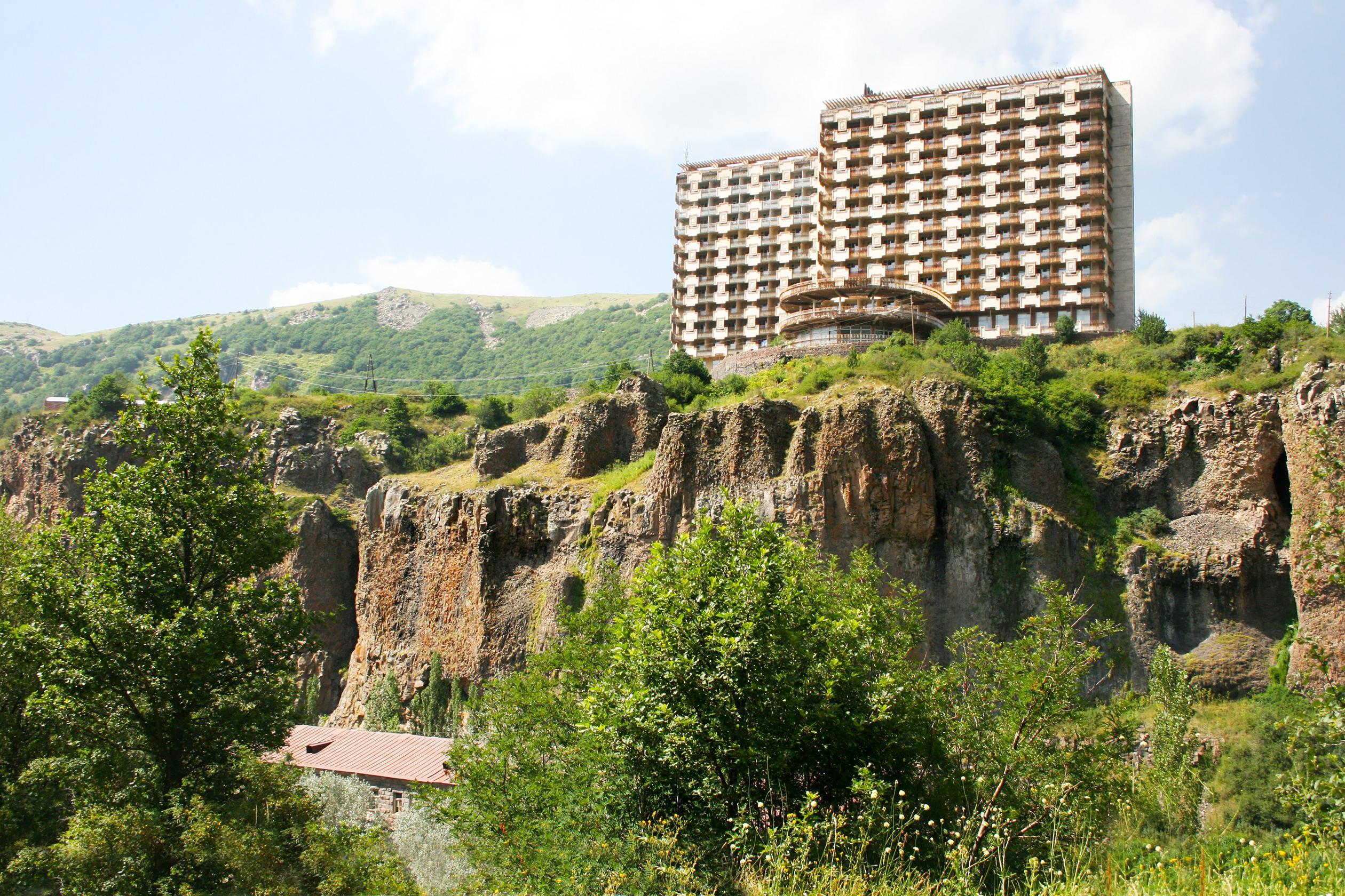 Cliffside hotel, Jermuk