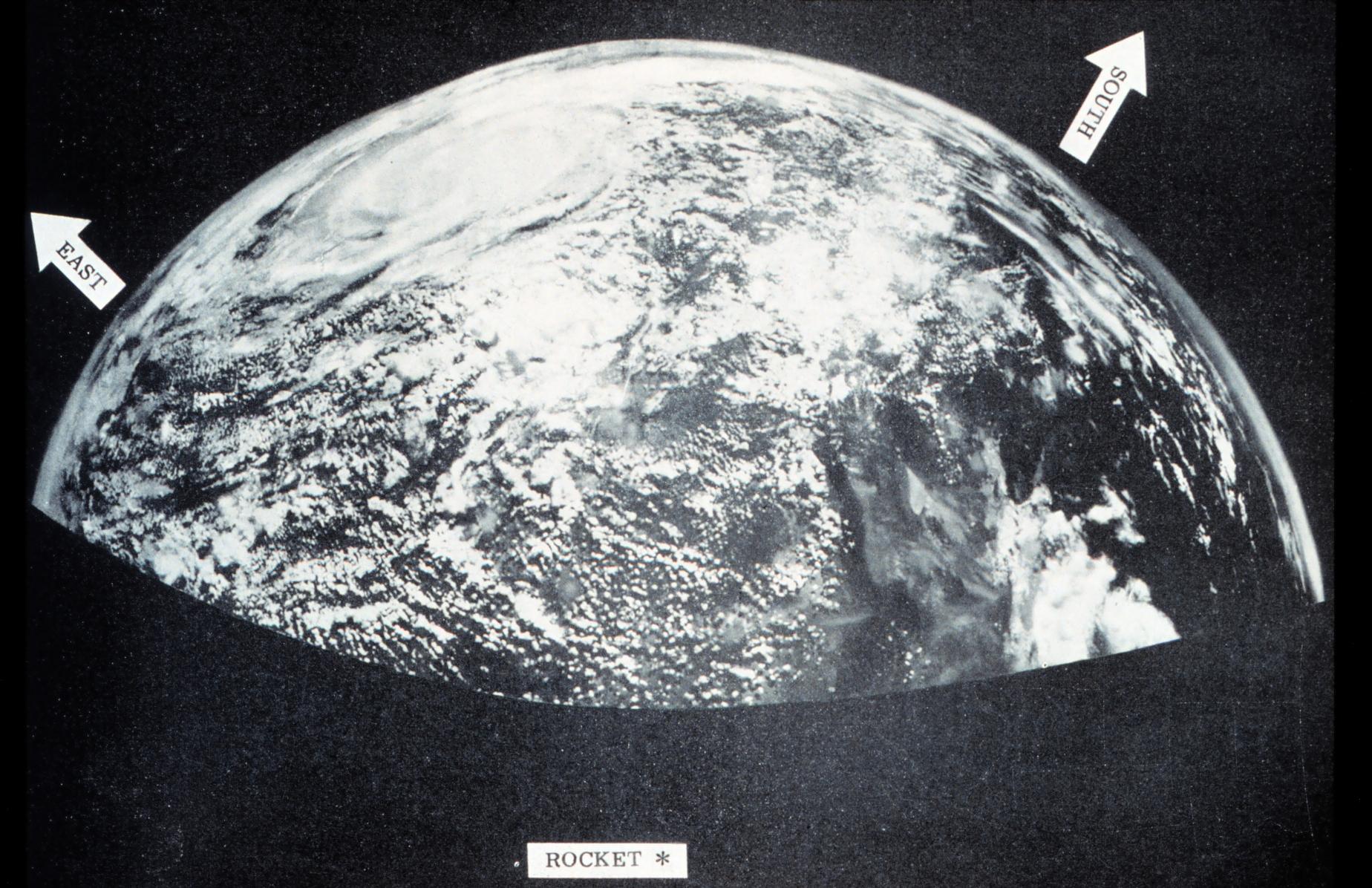 Viking image of Earth, 1954.jpg