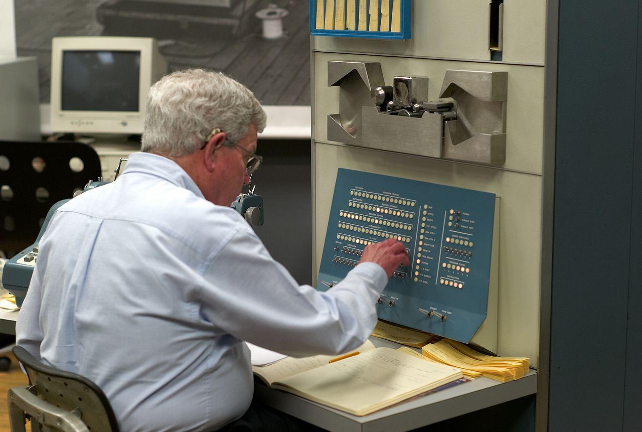 Steve_Russell-PDP-1.jpg