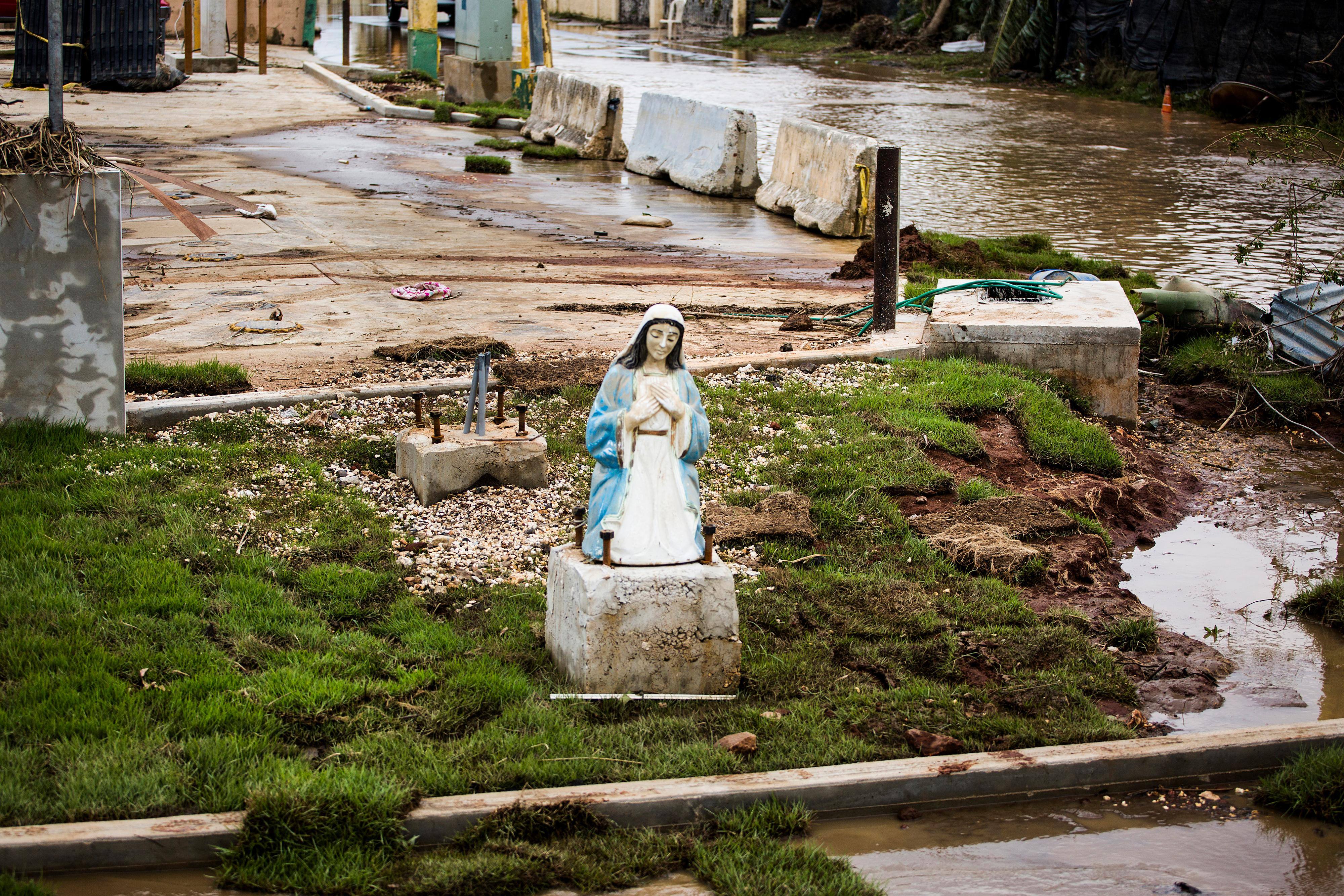 A statue of the Virgin Mary