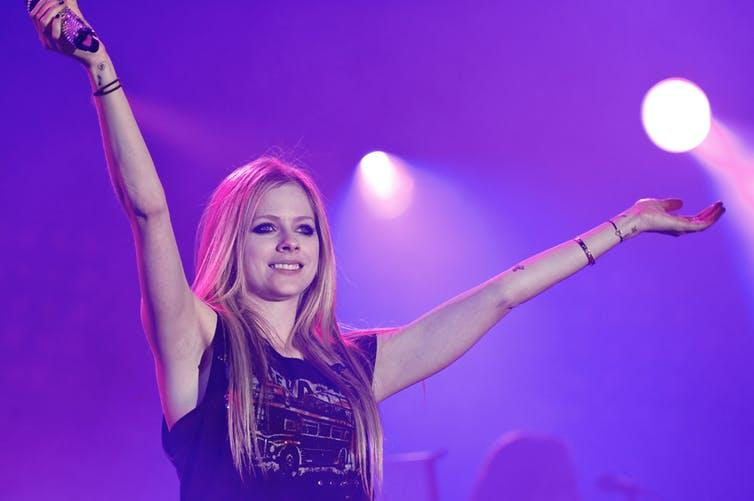 Fans think Avril Lavigne died and was replaced by a clone named Melissa.
