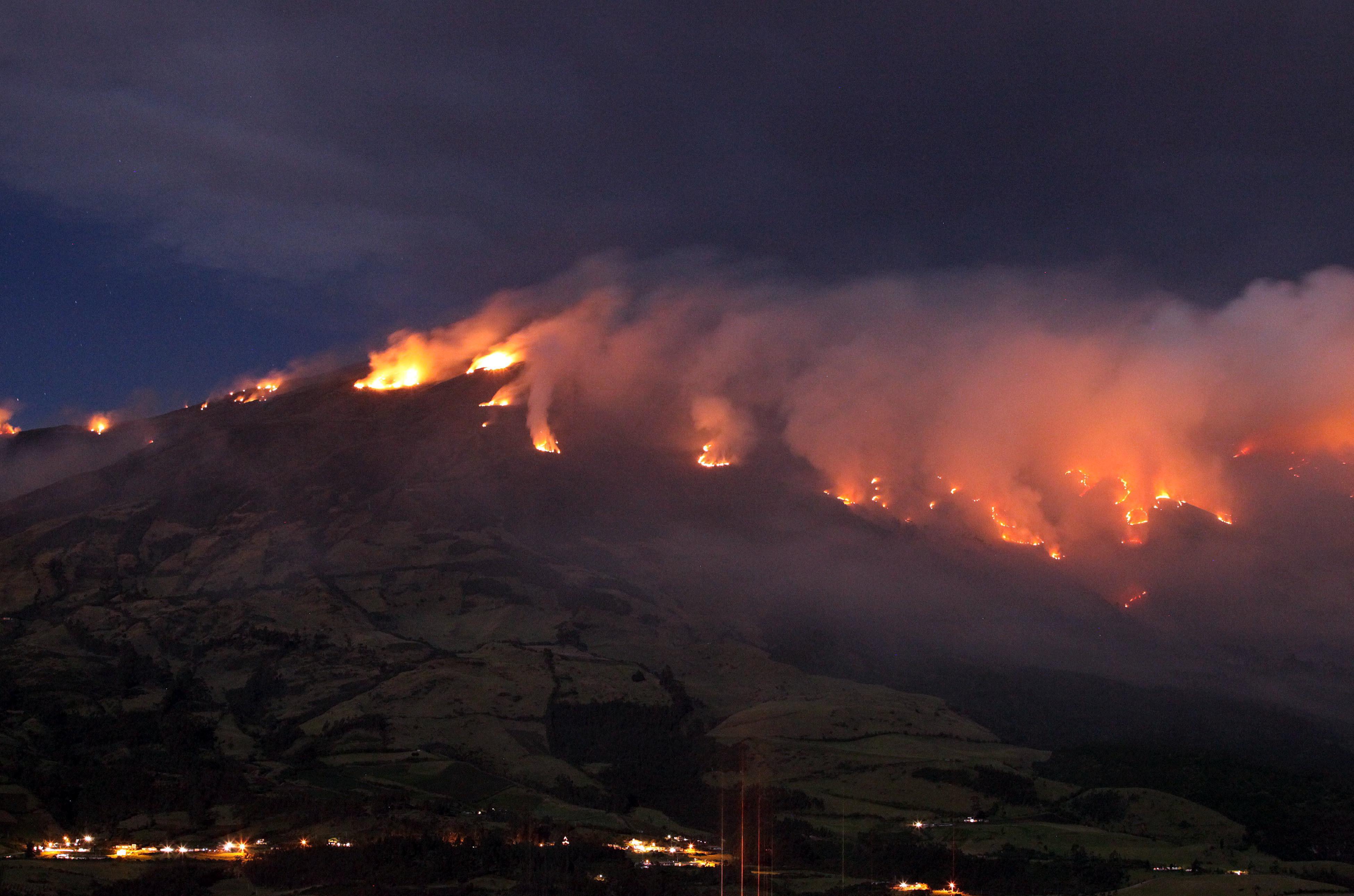 how do volcanoes destroy ecosystems