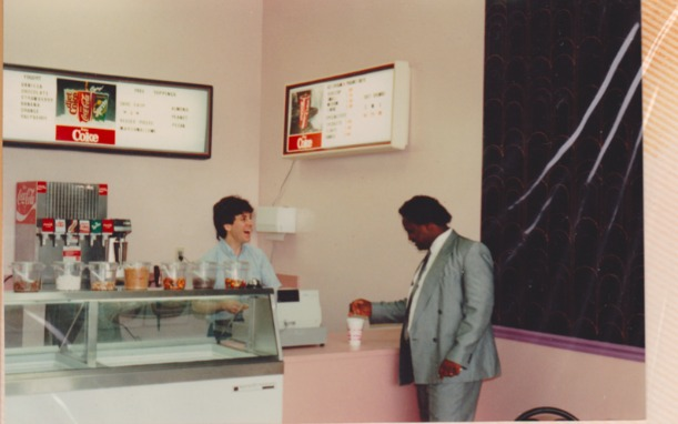 A picture of the first Dippin' Dots restaurant