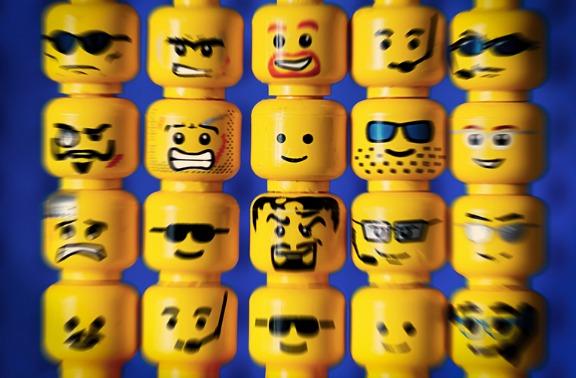 Lego-faces-576.jpg