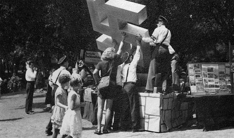 24-Raising-the-Swastiaka-at-German-Day.jpg