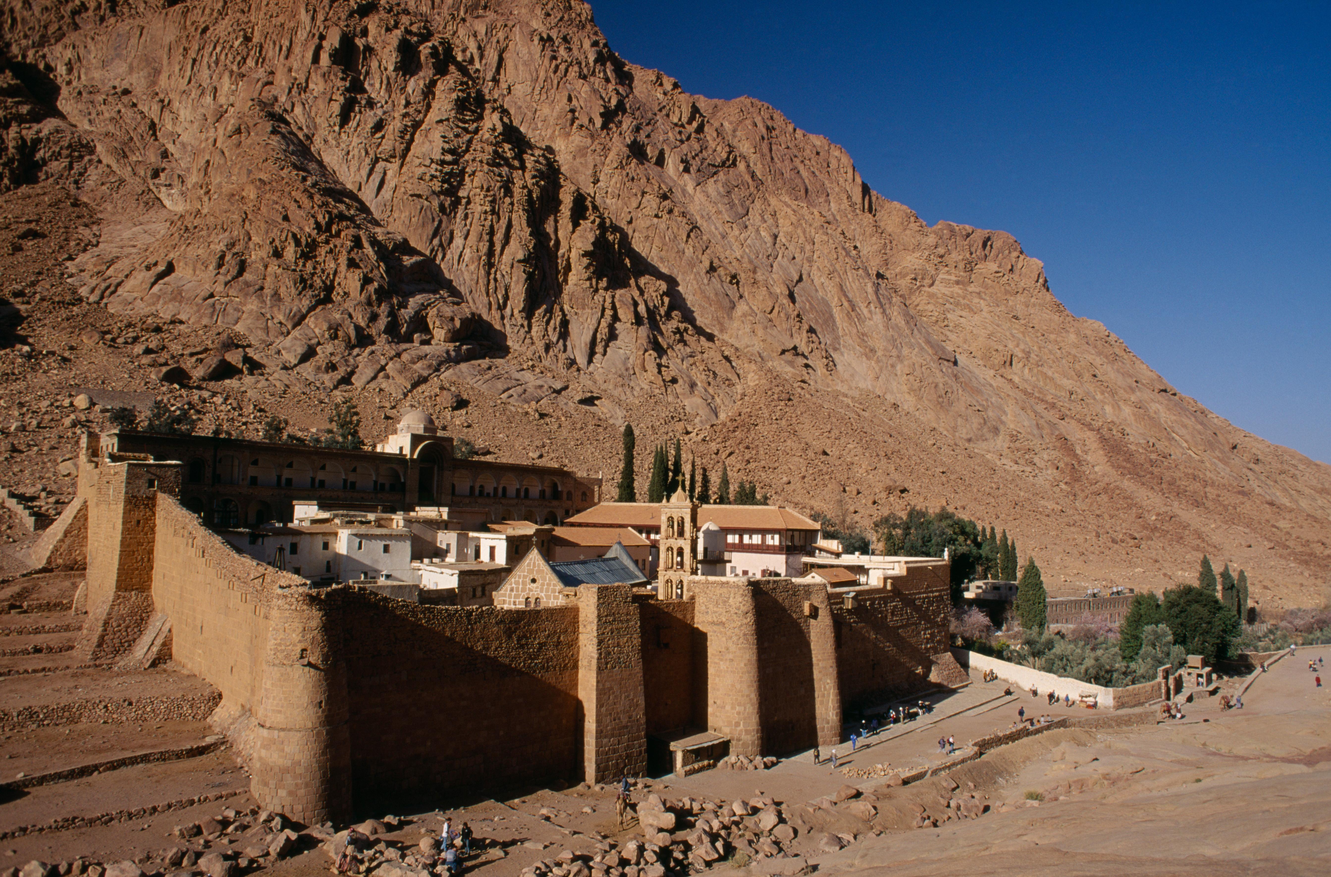 sixth-century walls
