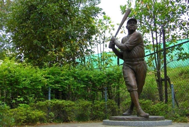Today, a statue of Babe Ruth stands at the Sendai Zoo.