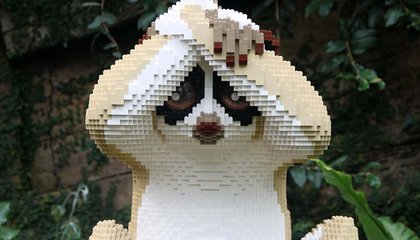 This Artist Uses Thousands of Lego Bricks to Make Lifelike Sculptures of Animals image
